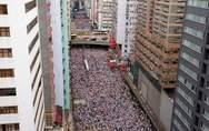 Χονγκ Κονγκ - Βάζει στον πάγο το νομοσχέδιο για εκδόσεις υπόπτων στην Κίνα