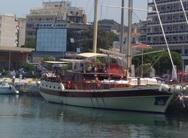 Το ξύλινο ιστιοφόρο σκάφος που έφτασε στο παλιό λιμάνι της Πάτρας!