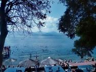 Ο υδράργυρος ανέβηκε και οι Πατρινοί 'έτρεξαν' στις παραλίες (φωτο)