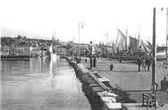 Mία… βόλτα στο λιμάνι της Πάτρας το 1926