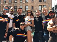 Irina Shayk - Παρούσα στο Pride της Νέας Υόρκης! (φωτο)