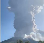 Ιταλία: 'Ξύπνησε' το ηφαίστειο στο νησί Στρόμπολι (video)