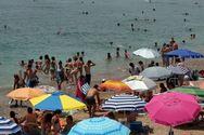Καιρός: Ζέστη, πολλά μποφόρ και τοπικές βροχές ως την Κυριακή