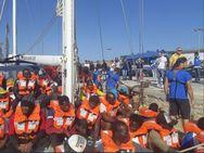 Ιταλία: Ο Σαλβίνι απαγορεύει να αποβιβαστούν οι πρόσφυγες από το ιστιοφόρο Alex