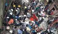Δεκάδες εγκλωβισμένοι μετά την κατάρρευση κτιρίου στη Βομβάη