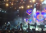 Πατρινοί στη συναυλία των μυθικών 'Cure' στην πλατεία Νερού (pics)