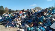 Κάθε χρόνο παράγονται 2 δισ. τόνοι σκουπιδιών