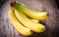 Τέσσερα κόλπα για να μη μαυρίζουν οι μπανάνες σας