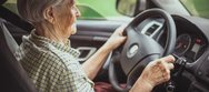 Δίπλωμα οδήγησης και ηλικιωμένοι - Στους γιατρούς η ευθύνη για τους 74χρονους οδηγούς