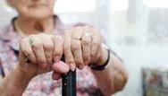 Δυτ. Ελλάδα - Άγνωστοι έκλεψαν από ηλικιωμένη 5.200€ και κοσμήματα
