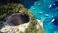 Οι σμαραγδένιες μαγευτικές σπηλιές των Παξών (pics)