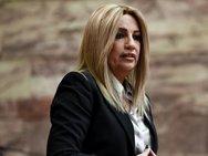 Φώφη Γεννηματά: 'Δεν είναι λύση οι αποσπασματικές ρυθμίσεις ανακούφισης'