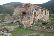 Αχαΐα: Παράκληση προς την Παναγία στην βυζαντινή εκκλησία της Μέντζενας