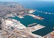 Το αδιαχώρητο στο λιμάνι του Πειραιά από την έξοδο των Αθηναίων