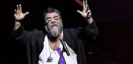 Το ξέσπασμα του Σταμάτη Κραουνάκη σε συναυλία: «Αφήστε τα παιδιά ήσυχα, τα έχετε ξεσκίσει» (video)