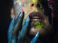 Το πιο χρωματιστό πορτρέτο που έχουμε δει 'γεννήθηκε' στην Πάτρα (pics)