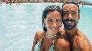 Ο Σάκης Τανιμανίδης και η Χριστίνα Μπόμπα κάνουν διακοπές στο Κατάκολο (φωτο)