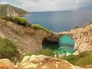 Η σπηλιά της φώκιας - Τρία βίντεο από τον κρυφό παράδεισο του Κορινθιακού
