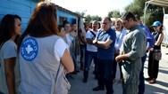 Στους προσφυγικούς καταυλισμούς της Λέσβου ο Γιώργος Κουμουτσάκος