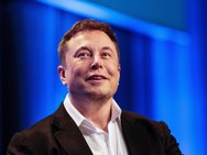 H μητέρα του Elon Musk, έγραψε βιβλίο!