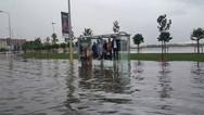 Ισχυρή βροχόπτωση έπληξε την Κωνσταντινούπολη - Νεκρός ένας άστεγος