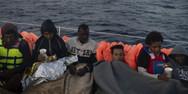 Παραμένουν οι 356 μετανάστες ανοιχτά της Ιταλίας