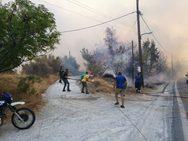 Φωτιά στη Σάμο: Καλύτερη η εικόνα στο νησί
