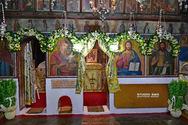 Η 'θαυματουργή οπή' στο εκκλησάκι των Αγίων Αδριανού και Ναταλίας στο Ναύπλιο (pics+video)