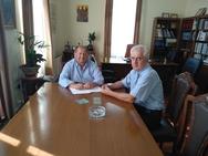 Αιγιάλεια: Συνάντηση Δημάρχου με τον Διευθυντή της ΔΟΥ Αιγίου