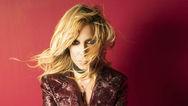 «Έσπασε» η Άννα Βίσση σε συναυλία στο Μάτι (video)