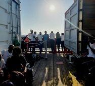 Ιταλία: Δόθηκε άδεια στο Ocean Viking να αποβιβάσει στη Λαμπεντούζα