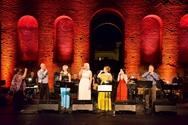 Πάτρα - Καλλιτέχνες και κοινό έγιναν 'ένα' στην συναυλία αφιερωμένη στην Λίνα Νικολακοπούλου (φωτο)