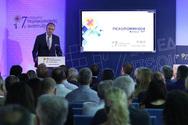 Γεραπετρίτης από Πάτρα: 'Επιτελικό κράτος σημαίνει και δραστική εκχώρηση αρμοδιοτήτων σε Περιφέρειες και Δήμο'