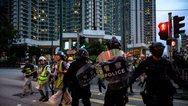 Χονγκ Κονγκ: Δακρυγόνα και βόμβες μολότοφ σε αντικυβερνητική διαδήλωση