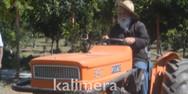 Μητροπολίτης-αγρότης καλλιεργεί και τα δίνει σε όσους έχουν ανάγκη (video)