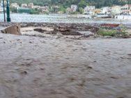 'Βουλιάζει' στη λάσπη η Αγία Ευφημία στην Κεφαλονιά - Δείτε φωτογραφίες