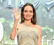 Angelina Jolie - Λαμπερή στην πρεμιέρα της νέας της ταινίας (φωτο)