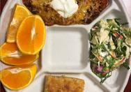 Γνωστός σεφ… παράτησε βραβευμένο εστιατόριο για να μαγειρεύει σε σχολεία!