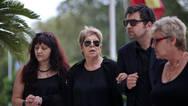 Μαρτυρία για την τραγωδία στη Δραπετσώνα: Η μητέρα του Μαυρίκου έκλεισε το παράθυρο, πριν βουλιάξει
