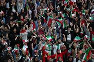 Γυναίκες σε γήπεδο ποδοσφαίρου στο Ιράν μετά από 40 χρόνια (φωτο)