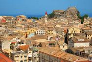 Γεμάτη τουρίστες η Κέρκυρα τον Οκτώβριο