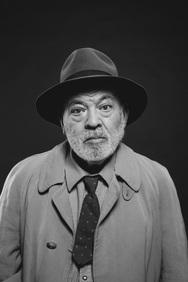 Xρήστος Βαλαβανίδης - Ένας ποιητής που κάνει τον ηθοποιό!