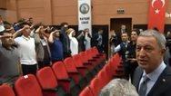 Τουρκία: Με στρατιωτικό χαιρετισμό υποδέχτηκαν μαθητές τον Χουλουσί Ακάρ στο σχολείο τους