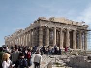 ΣΕΤΕ: Κάθε τουρίστας άφησε πίσω του από δύο κιλά σκουπίδια
