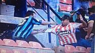 Ανελέητο ξύλο μεταξύ οπαδών σε γήπεδο στο Μεξικό (video)