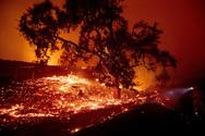 Μεγάλη πυρκαγιά κατακαίει την Καλιφόρνια (φωτο)