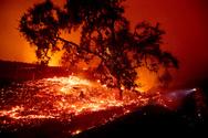 Καλιφόρνια: Απειλούνται χιλιάδες σπίτια από τη φωτιά