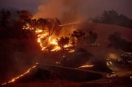 Στάχτη 120.000 στρέμματα στην Καλιφόρνια - 180.000 άνθρωποι έφυγαν από τα σπίτια τους