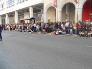 Στα 'γαλανόλευκα' το κέντρο της Πάτρας - Γεμάτη από κόσμο η Αγίου Ανδρέου!