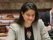 Η υπουργός Παιδείας προαναγγέλλει τροποποιήσεις στο μάθημα των Θρησκευτικών